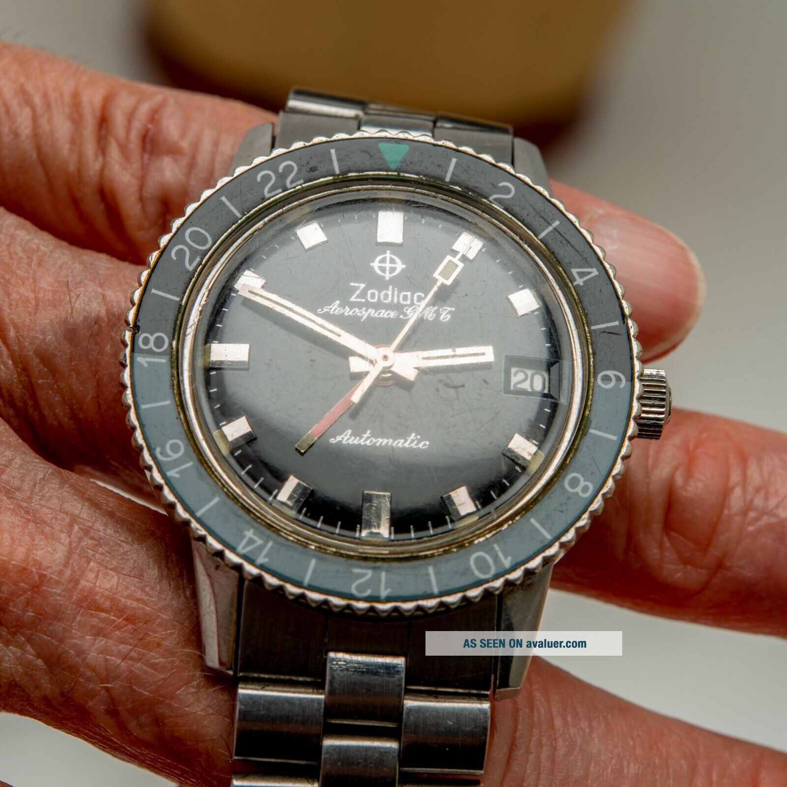 Vintage 1969 ZODIAC Aerospace GMT Watch Black Gray Bezel Automatic Space Craft