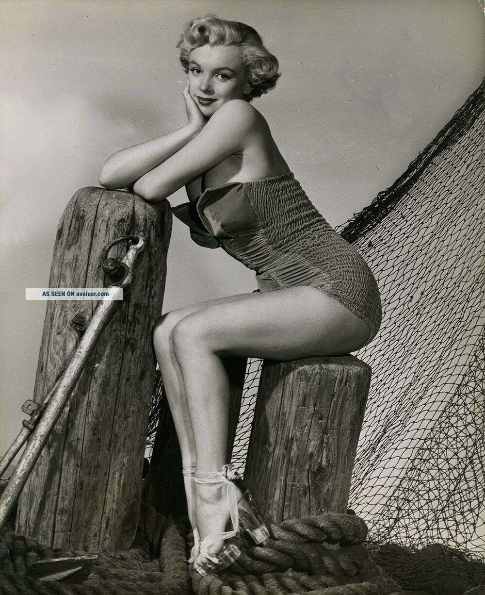 Marilyn Monroe 1951 Vintage Cheesecake Pin Up Photograph Love Nest Early Rarity