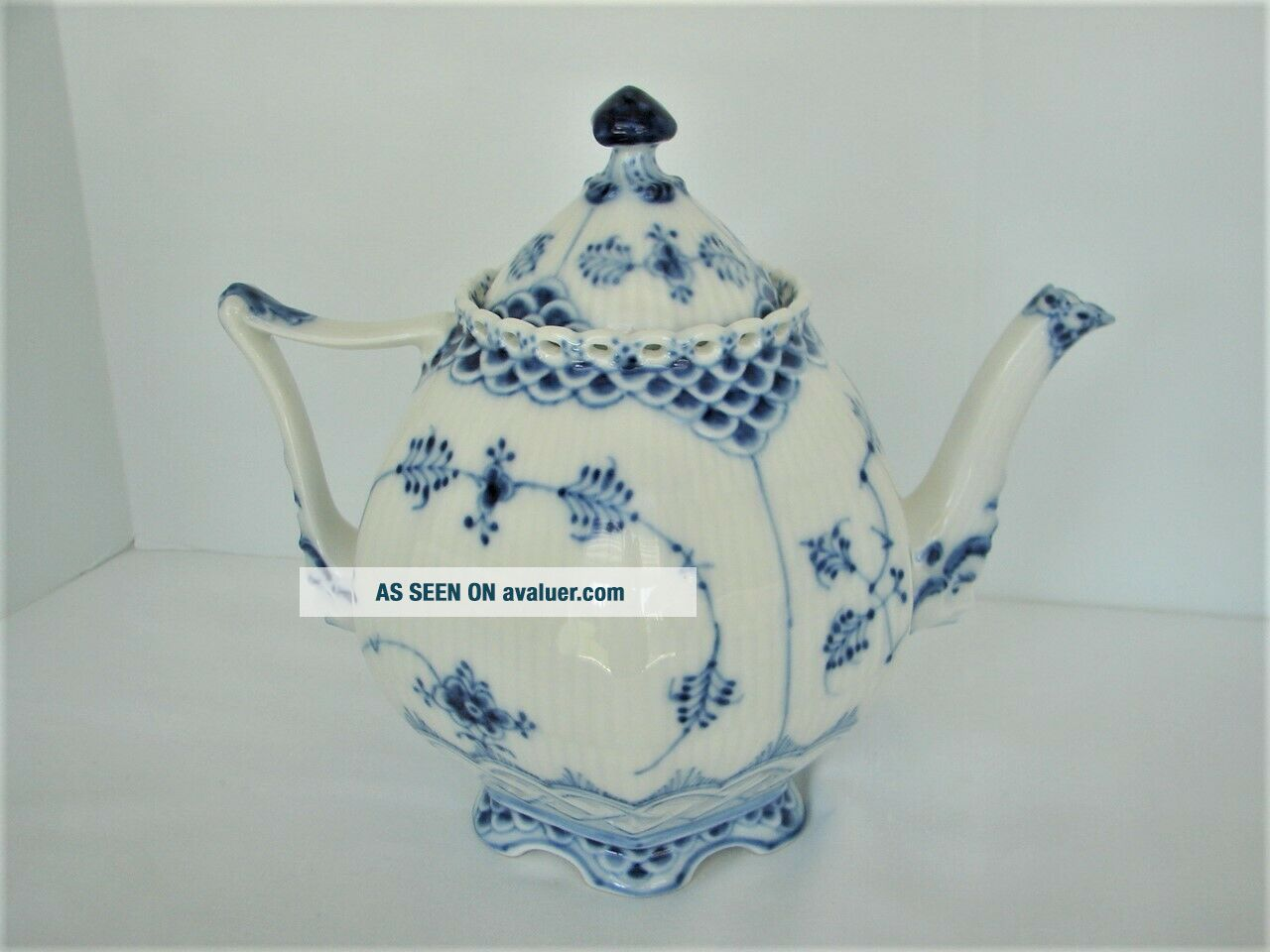 Royal Copenhagen Blue Fluted Full Lace Gargoyle Teapot 1117 1St Quality